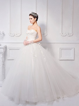 Timeless Ball Gown Floor-length Sweetheart Appliques/Sequins Neck Lace-up Wedding Dress