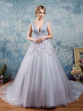 Pearls V-Neck Flowers Lace Floor-Length Quinceanera Dress