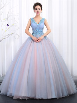 Appliques V-Neck Pleats Floor-Length Quinceanera Dress
