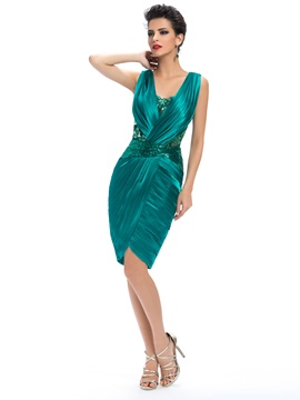 Sheath V-Neck Appliques Ruched Knee-Length Party Dress