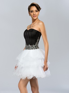 Modern A-Line Sweetheart Beading Tiered Short Cocktail Dress