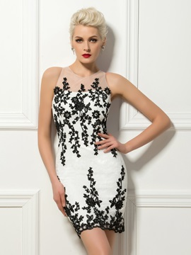 Chic Round Neck Appliques Sheath Mini Cocktail Dress