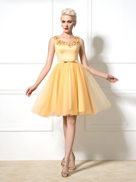 Dramatic Scoop Neck Straps Appliuqes Sequined Bowknot Short Cocktail Dress