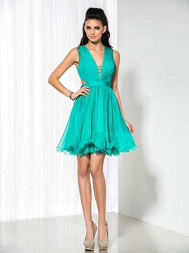 Sexy V-Neck Hollow Pleats A-Line Short Cocktail Dress