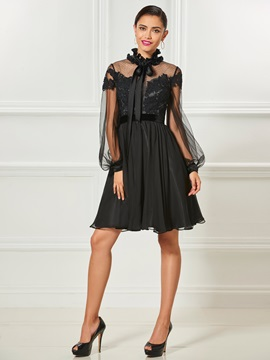 High Neck Appliques Bowknot Button Cocktail Dress