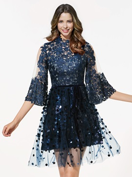 Chic A-Line Long Sleeves Scoop Lace Sequins Short Cocktail Dress