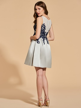 Pearls Back Appliques Lace Cocktail Dress