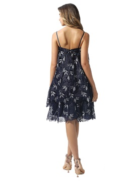 Spaghetti Straps Lace Knee-Length Cocktail Dress 2020