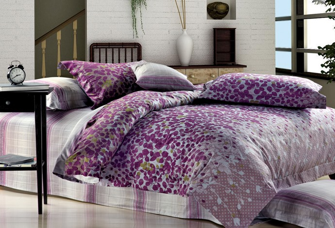 Bright 4 Piece Purple Leaves Print Comforter Sets with Cotton