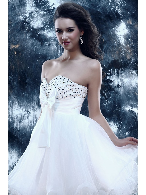 Cute A-Line Sweetheart Bowknot Beading Sandra's Short Sweet 16 Dress