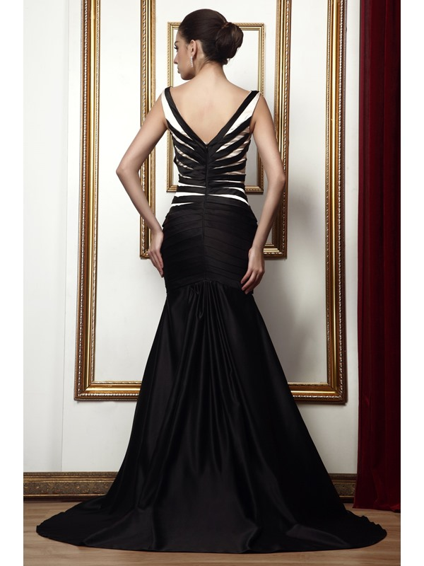 Mermaid V-Neck Sweep/Brush-Train Taline's Mother of the Bride Dress With Jacket/Shawl