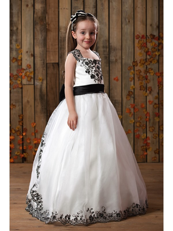 Cute A-Line Square Floor-Length Applique Flower Girls Dress