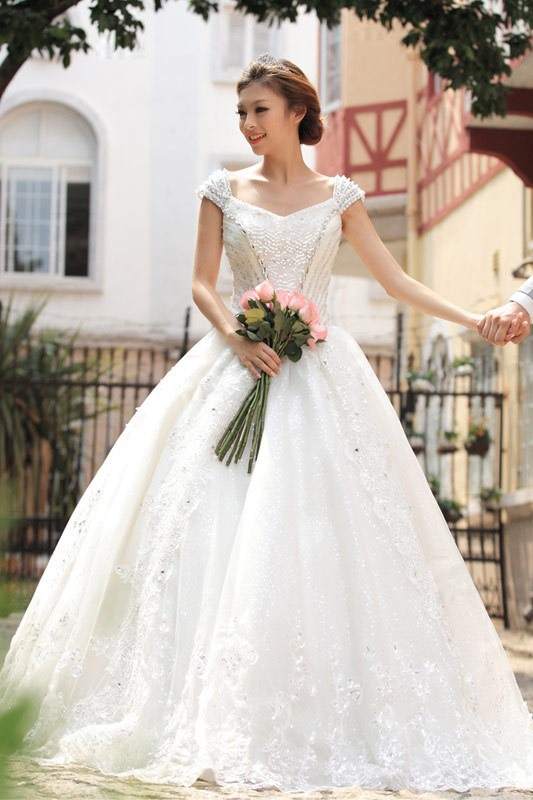 Classical Princess Off the Shoulder Sequins Floor-Length Wedding Dress