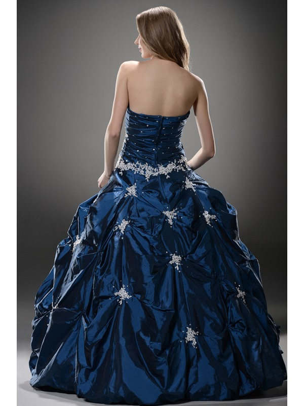 Sweetheart Pick-ups Appliques Ball Gown Dress