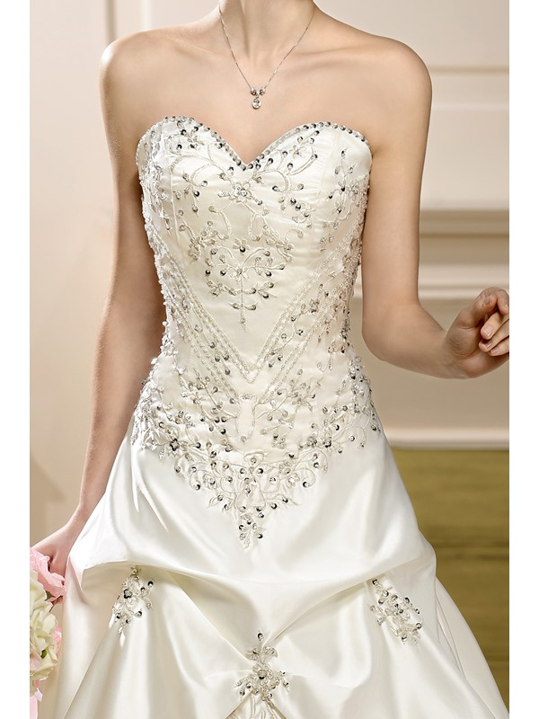 A-Line Sweetheart Embroidery Sleeveless Wedding Dress