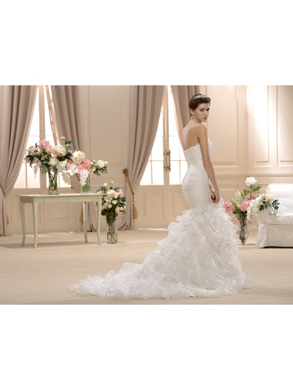 Amazing Trumpet/Mermaid Slim Sweetheart Ruffles Court Train Wedding Dress