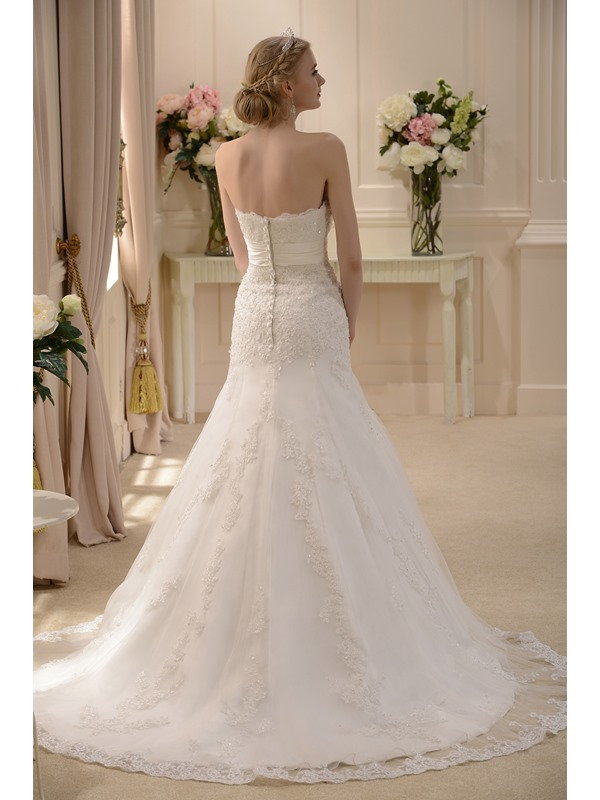 Strapless Mermaid Appliques Wedding Dress
