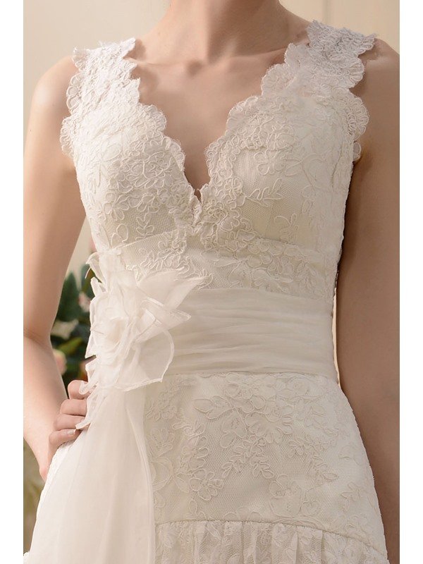 Fabulous V-neck Knee-Length -Up Sash Lace Wedding Dress