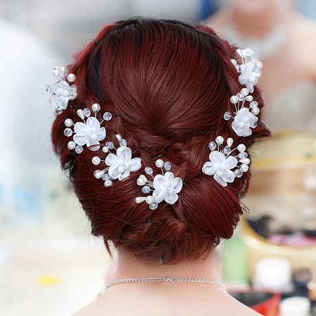 Delicate Pearl Beads Flower Headwear (For One Piece)