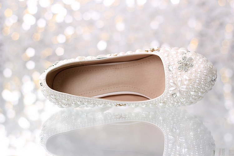 Unique Closed Toe Flowers Crystal Stiletto Heel Pearl Wedding Shoes