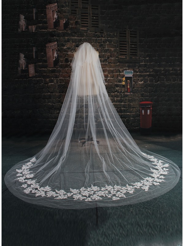 Stunning Overlength Applique Lace Wedding Veil