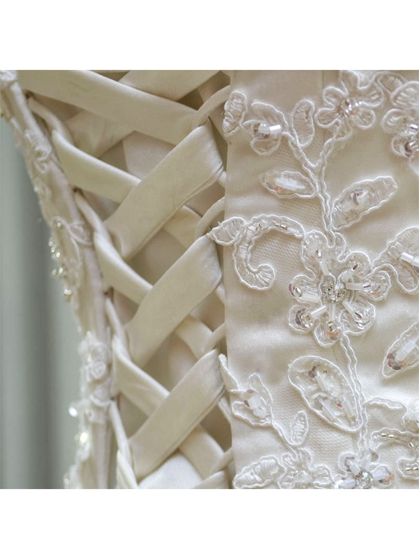 Timeless Ball Gown Floor-length Sweetheart Appliques/Sequins Neck Lace-up Wedding Dress(Free Shipping)