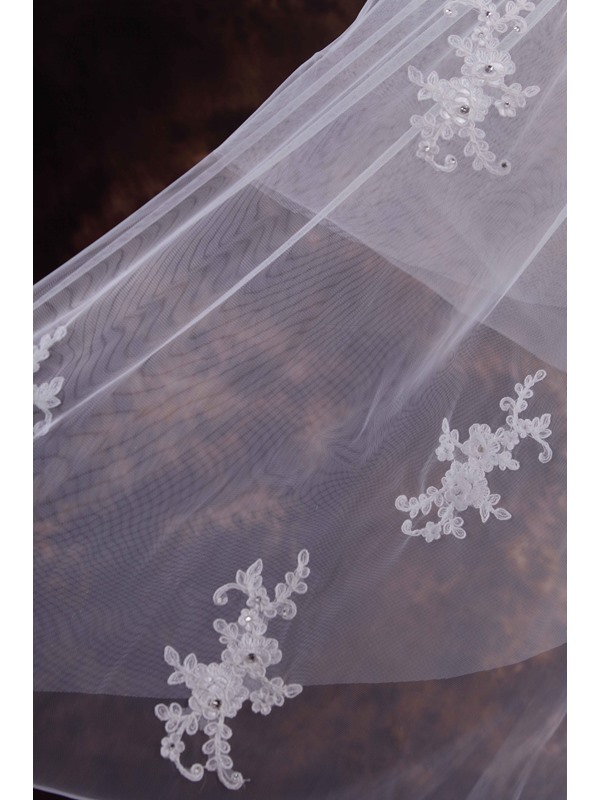 Two-Layer White Appliques Wedding Veil