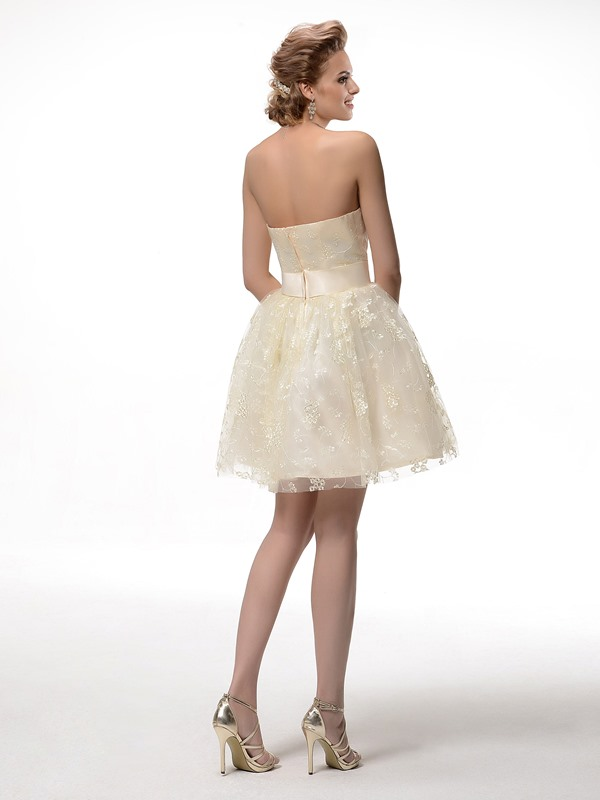 Fine Lace Strapless A-Line Bowknot Short Sweet 16/Homecoming Dress