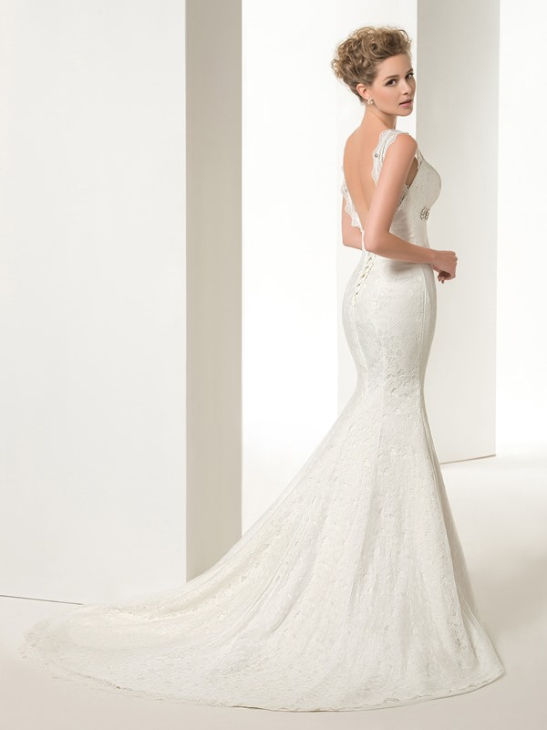 Graceful Mermaid/Trumpet Lace Crystal Straps Court Train Floor-Length Lace-up Wedding Dress