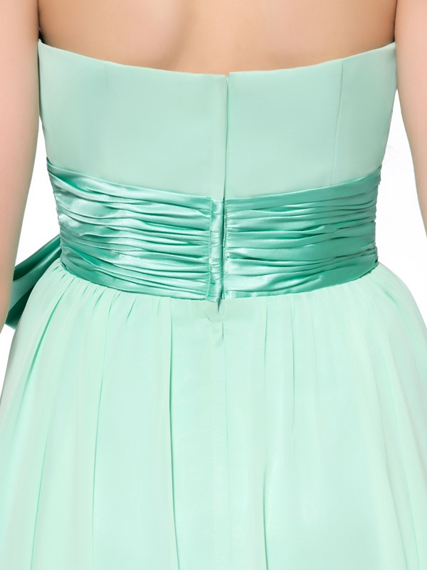 Pure Sashes Bowknot Strapless Knee-Length Homecoming Dress