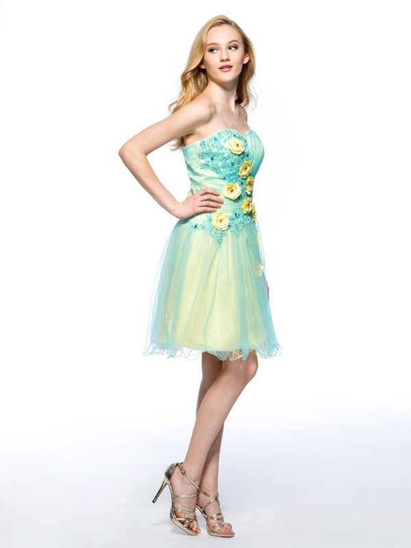 Smart A-Line Sweetheart Flowers Appliques Short Homecoming Dress