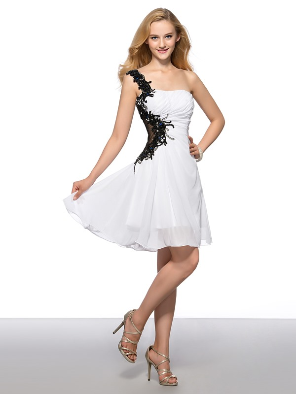 A-Line Appliques Sequins Beading Short Homecoming Dress