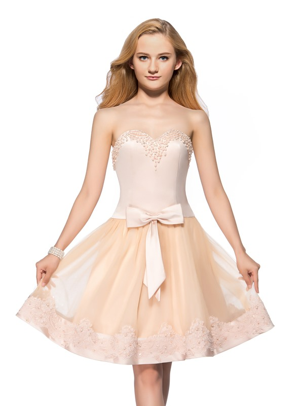 Vigorous A-Line Sweetheart Pearls Appliques Bowknot Knee-Length Homecoming Dress