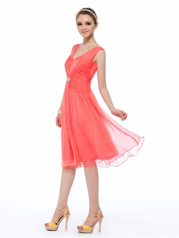 Trendy A-Line V-Neck Sleeveless Ruched Crystal Knee-Length Homecoming Dress
