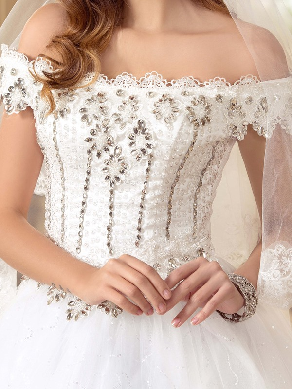 Eye-catching Scalloped Off the Shoulder Beaded Ball Gown White Lace Wedding Dress
