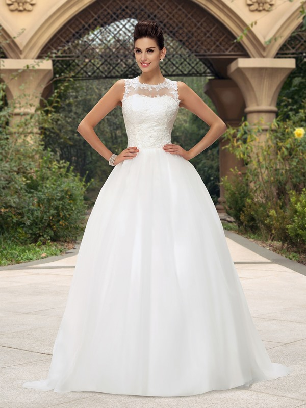 Dramatic Jewel Neck Button Zip-up White Lace Wedding Dress