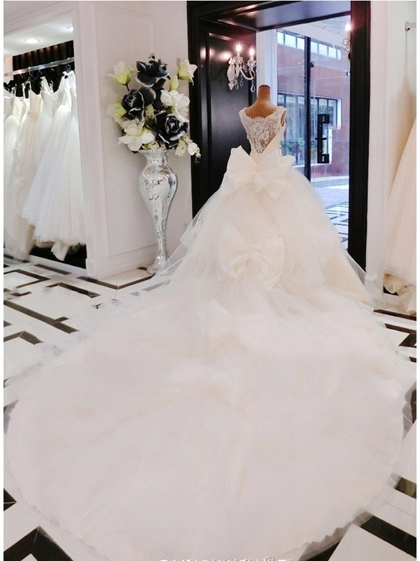 Luxurious Scalloped High Neck Bowknot A-Line Lace Cathedral Wedding Dress