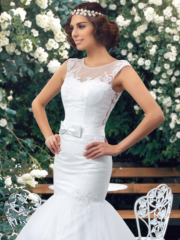 Great Sheer Back Lace Appliques Mermaid White Wedding Dress (Free Shipping)