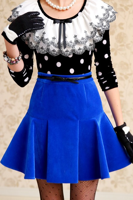 Solid Color Back-Zip Pleated Skirt
