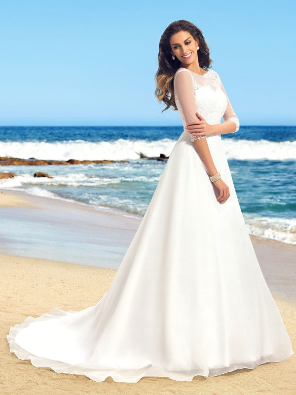 Delicate Lace Applique Scoop Neck A-Line Long Sleeve Wedding Dress