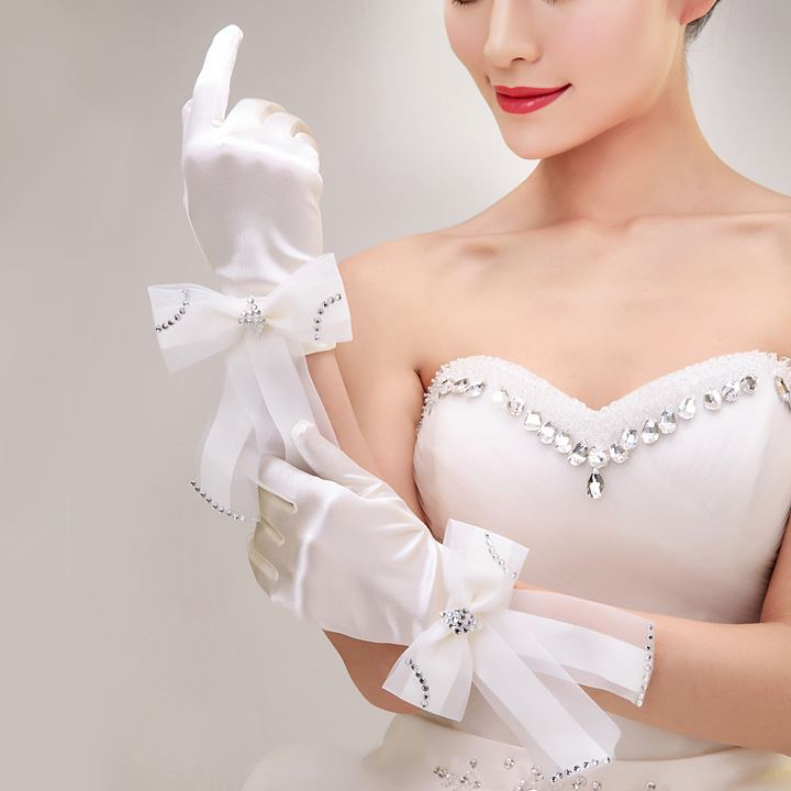 Fine Bowknot Silk White Wedding Gloves