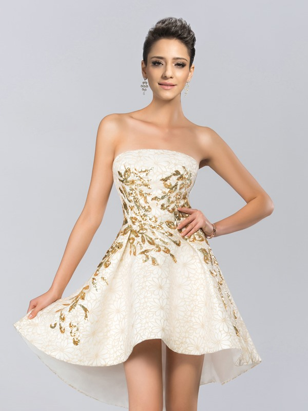 Eye-catching Strapless Lace Appliques Short Cocktail Dress