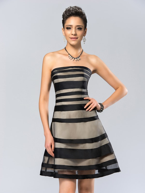 Modern Strapless Tiered A-Line Zipper-up Short Cocktail Dress