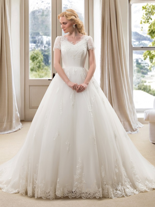 V-Neck Short Sleeve Plus Size Wedding Dress
