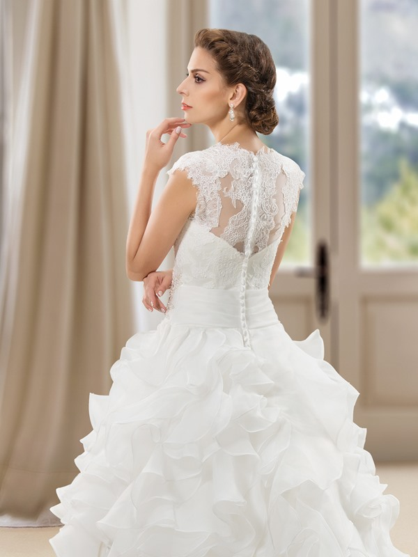 Eye-catching Lace Jewel Neck Short Sleeve Ruffles Wedding Dress(Free Shipping)