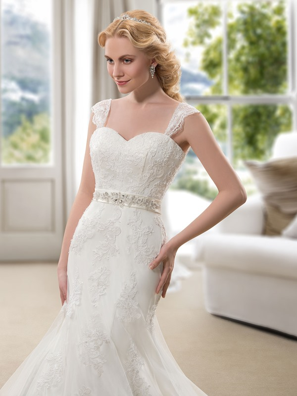 Stunning Lace Straps Sweetheart Lace Up Mermaid Wedding Dress