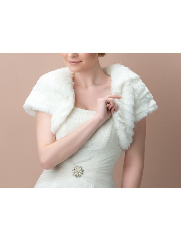 Short Sleeve Ivory Fax Fur Wedding Jacket