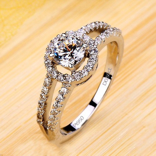 Luxury D0.5ct NSCD Diamond Pt 950 Engagement/Wedding Ring