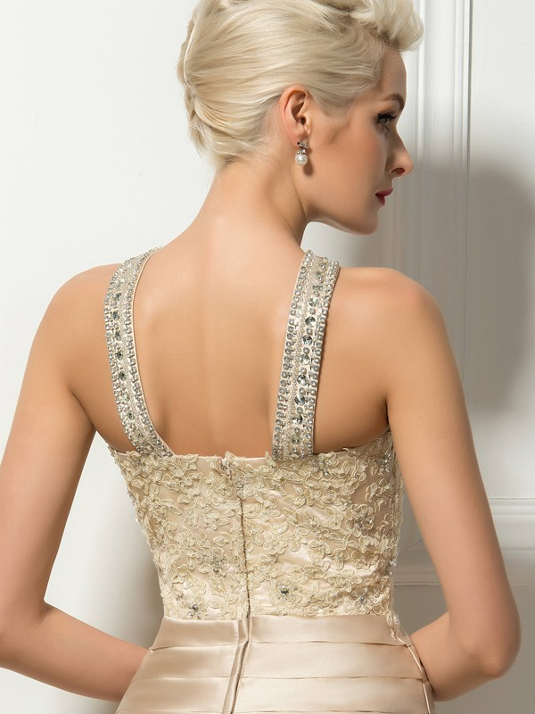 Stunning Appliques Beading Tiered Column Short Cocktail Dress