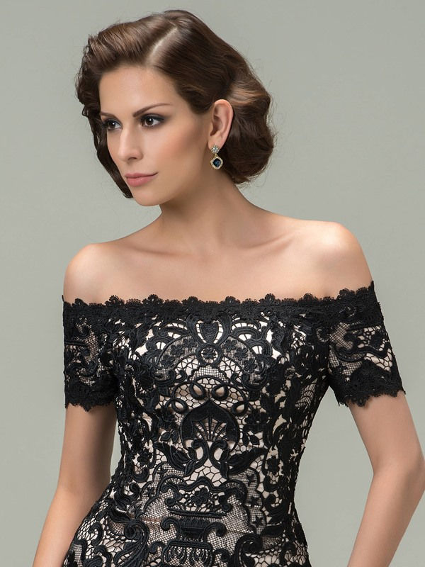 Classy Sheath Off-the-Shoulder Lace Short Black Cocktail Dress